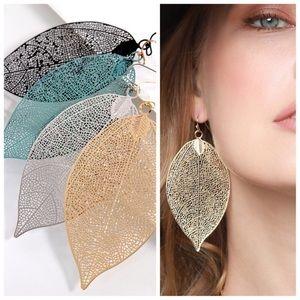 Jewelry - ✨SALE!✨NEW! CHIC FILIGREE METAL LEAF EARRINGS